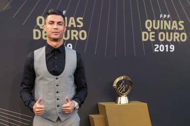 Ronaldo giành danh hiệu