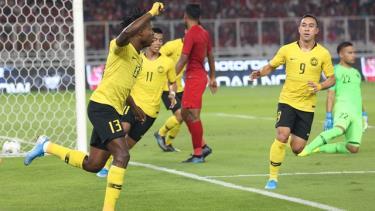 Ngoại binh nhập tịch Sumareh lập cú đúp bàn thắng để Malaysia đánh bại Indonesia