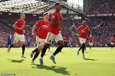 Rashford mang chiến thắng về cho Manchester United.