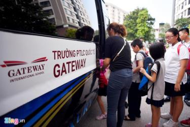 Lại thêm trường hợp học sinh bị bỏ quên trên xe đưa đón, sau vụ việc đau lòng xảy ra ở Trường Gateway.