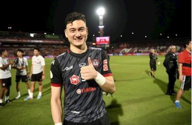 Thủ môn Đặng Văn Lâm thi đấu xuất sắc tại Thai-League