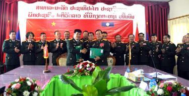 Bộ Chỉ huy quân sự hai tỉnh ký kết biên bản ghi nhớ năm 2020.