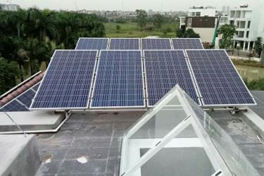 Một hệ thống điện mặt trời mái nhà.