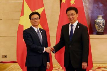 Phó Thủ tướng Vũ Đức Đam và Phó thủ tướng Hàn Chính.