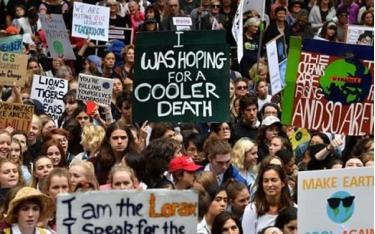 Khoảng 30.000 người diễu hành ở Sydney hôm 15/3 kêu gọi chống biến đổi khí hậu.