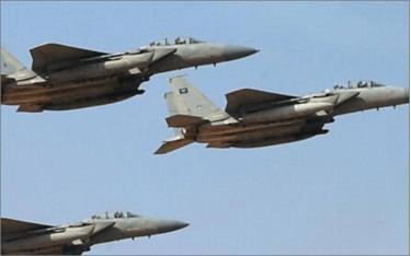 Máy bay chiến đấu của Liên minh quân sự Arab tấn công Houthi ở Yemen.