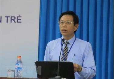 Giáo sư, tiến sỹ Tạ Ngọc Đôn, Vụ trưởng Vụ Khoa học công nghệ và môi trường, Bộ Giáo dục và Đào tạo phát biểu tại Hội thảo.