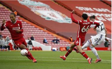 Liverpool 4 - 3 Leeds United: 3 điểm kịch tính (Vòng 1 Ngoại hạng Anh)
