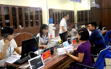Trung tâm Phục vụ hành công tỉnh Yên Bái sẽ tạm dừng việc tiếp nhận hồ sơ và trả kết quả giải quyết thủ tục hành chính trong thời gian diễn ra Đại hội Đại biểu Đảng bộ tỉnh Yên Bái lần thứ XIX. (Ảnh: Đức Toàn)