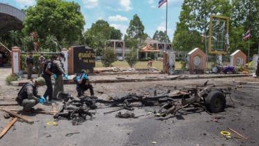 Hiện trường vụ nổ bom ở tỉnh Yala, miền Nam Thái Lan ngày 17/3/2020.