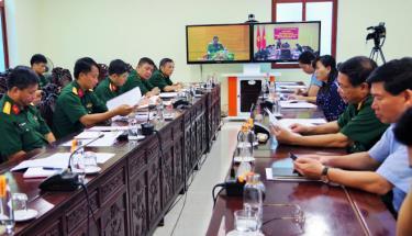 """Các đại biểu dự Hội nghị trực tuyến Tổng kết phong trào thi đua """"Dân vận khéo, xây dựng """"Đơn vị dân vận tốt"""" giai đoạn 2016-2020 tại điểm cầu tỉnh Yên Bái."""