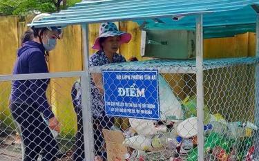 """Mô hình """"Ngôi nhà xanh"""" đang được triển khai hiệu quả ở nhiều cơ sở hội phụ nữ trên địa bàn thị xã Nghĩa Lộ."""