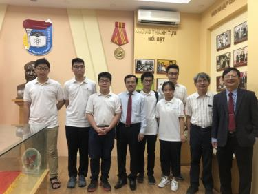 Đội tuyển Việt Nam dự Olympic Toán học quốc tế năm 2020.