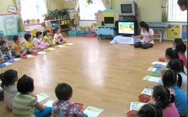 Một giờ học của cô và trò Trường Mầm non Tân Thịnh, Văn Chấn.