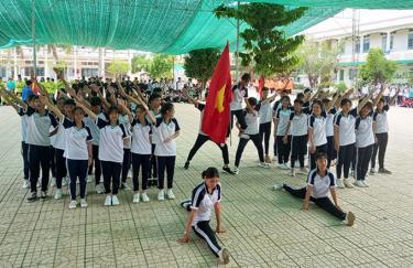 Tiết mục múa của học sinh Trường THPT Trung An, huyện Cờ Đỏ, TP Cần Thơ, năm học 2020-2021.