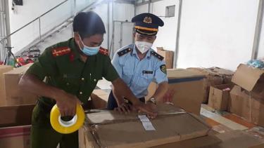 Đây là kho hàng đồ chơi lớn nhất từ trước đến nay được Cục Quản lý thị trường Nam Định phối hợp với lực lượng chức năng phát hiện.