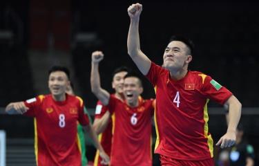 Đội tuyển futsal Việt Nam lần thứ hai vào vòng 1/8 FIFA Futsal World Cup. (Ảnh: Getty Images)