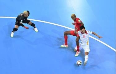 Nguyễn Văn Hiếu nhiều khả năng sẽ nhận giải Bàn thắng đẹp nhất vòng bảng World Cup futsal 2021.