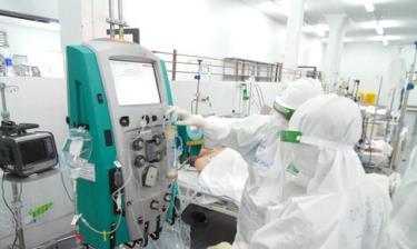 Đến nay có 527.926 bệnh nhân COVID-19 đã được chữa khỏi; số ca F0 nặng đang thở máy ở TP HCM giảm.