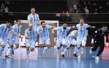 Niềm vui chiến thắng của tuyển Argentina trước Nga