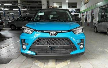 Raize tại một đại lý của Toyota ở Hà Nội. Ảnh: Facebook/Hội Toyota Raize Việt Nam.