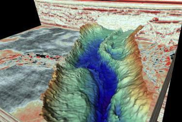 Mô phỏng thung lũng và vách đá tuyệt đẹp dưới đáy Đại Tây Dương qua hình ảnh 3D