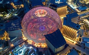 Quảng trường Al Wasl - một trong những quảng trường mái vòm lớn nhất thế giới là tâm điểm của khu tổ hợp EXPO 2020 Dubai.