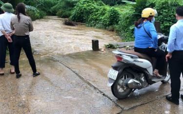 Đoạn ngầm tràn tại xã Yên Thái, nơi cháu bé bị cuốn trôi.