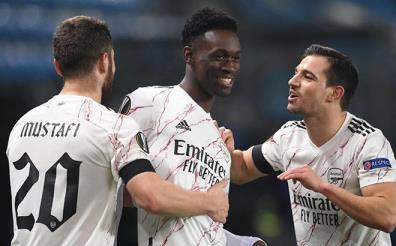 Arsenal giành quyền vào vòng 1/16 Europa League.