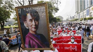 Biểu tình tiếp diễn tại Myanmar.