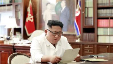Lãnh đạo Triều Tiên Kim Jong Un đọc thư từ tổng thống Mỹ