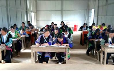 Hè đến các lớp xóa mù chữ ở huyện Mù Cang Chải lại tăng giờ, tăng buổi.