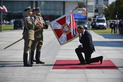 Tổng thống Ba Lan Andrzej Duda (phải) tại Lễ tuyên thệ nhậm chức nhiệm kỳ hai ở Warsaw ngày 6/8/2020.