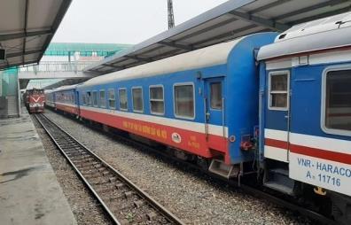 Đoàn tàu tại ga Hà Nội của Tổng công ty Đường sắt Việt Nam