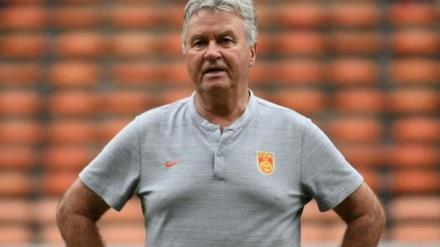 HLV Guus Hiddink bị sa thải.