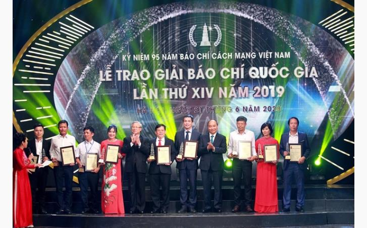 Lễ trao Giải Báo chí Quốc gia lần thứ XIV năm 2019. Ảnh: Báo Điện tử Đảng Cộng sản.